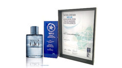 With an impressive 3D effect the limited-edition fragrance bottle for Aqua di Gio by Armani evidently deserved one of the first places at the WorldStar Award.