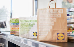 Discount retailer LIDL Deutschland also focuses on sustainability in its choice of carrier bags. Spring saw the standard plastic bag being removed from the range. Photo: Lidl Deutschland