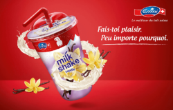 Milk shake packaging can also look like this: in the photo here a milk shake by Emmi with plastic lid and straw. Photo: Emmi