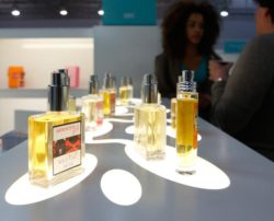 Pursuant to the International Nomenclature for Cosmetic Ingredients in the EU 26 potentially allergenic odorants are listed for perfumes.   © Messe Düsseldorf