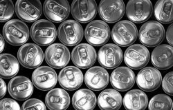 In the mid-1950s a drinks can was four times as heavy as today, and a beer bottle was three times its current weight. Photo: Tookapic, Jarosław Puszczyński, pexels.com