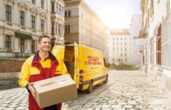 Pull strips and integrated adhesive strips ease returns for shoppers. Photo: DHL courier in Vienna. @ DHL.