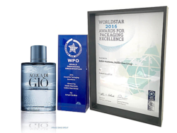 With an impressive 3D effect the limited-edition fragrance bottle for Aqua di Gio by Armani evidently deserved one of the first places at the WorldStar Award. Photo: Stölzle Glasgruppe