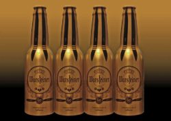 Special edition of Lufthansa beer bottles in brushed golden aluminum. © Ardagh Group