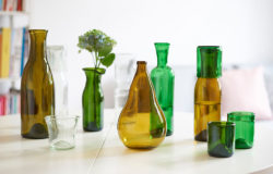 Glass objects from Cornelius Réer's glass workshop