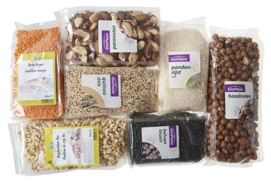 A selection of DO-IT's organic products wrapped in a laminate pack constructed with Innovia Films' NatureFlex™ in partnership with Bio4Pack.