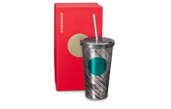 As a high-quality, easy-to-clean alternative to tumblers in plastic or carton, coffee store chain Starbucks offers its customers stainless steel versions with various designs for drinking shakes. Phot