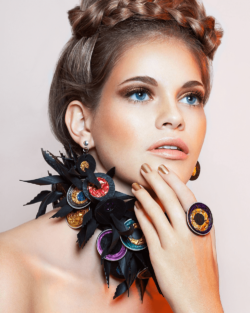 Jewellery made of waste– is a concept care of artist Kathleen Nowak Tucci who produces accessories made of old inner tubes and Nespresso capsules.  Photo: Kathleen Nowak Tucci