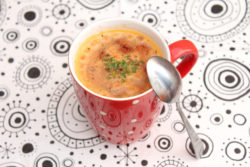 Farewell to soup powder. Innovative technologies heat up meals without adding water. © besser_essen, fotolia.com