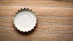 Photo: Empty crown cork © Marco2811/fotolia.com