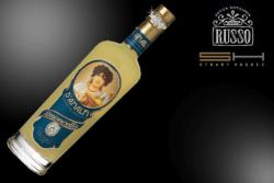 Diamonds are the girls best friends. Foto: http://stuarthughes.com/shop/luxury-liquor/d-amalfi-limoncello-supreme/