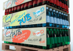 A perfect place at the POS: This idea from PAL-Cut adds visibility to products, even if there is no room for sales displays on the market. Photo: PAL-Cut